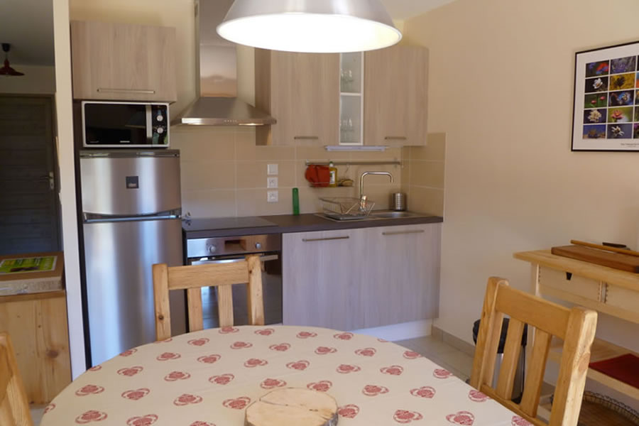 Well equipped kitchen with dishwasher, fridge/freezer & microwave oven
