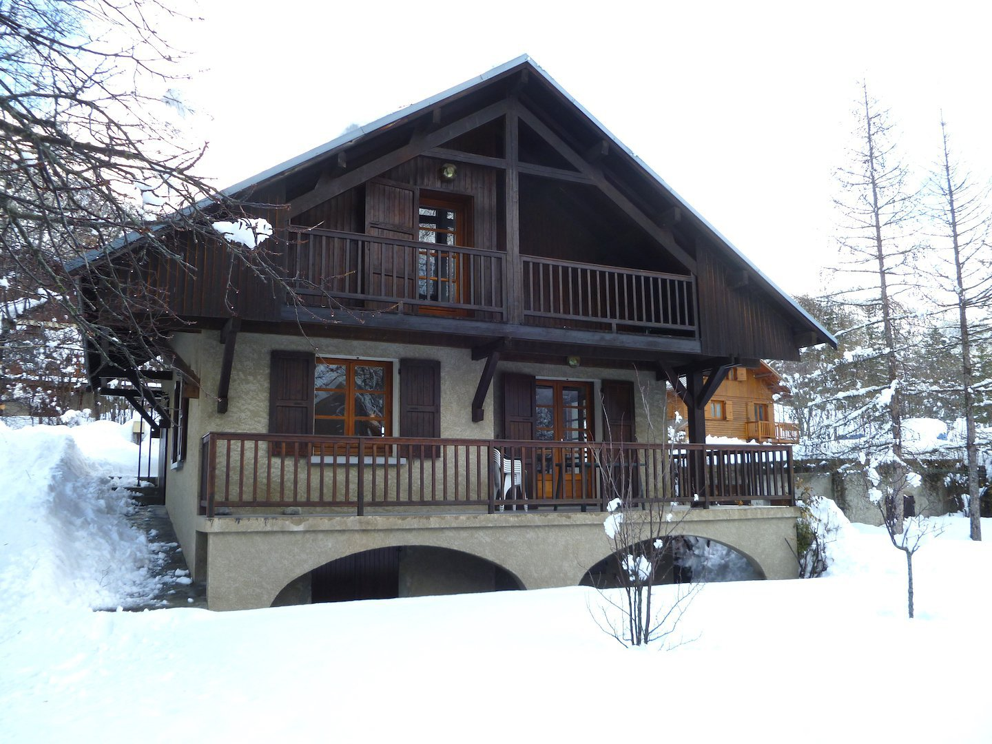 chalet aigliere and garden in winter