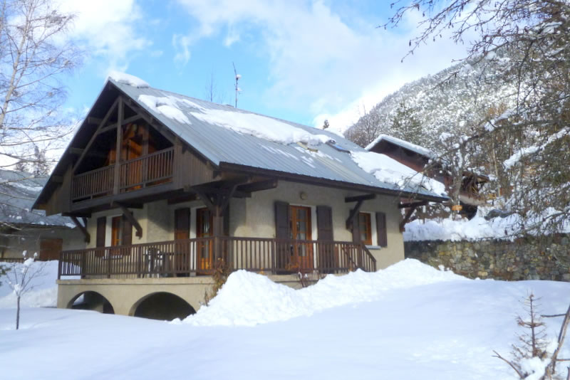 Chalet Aiglere sleeps 7 and with Apt. Neyzets can accommodate up to 10
