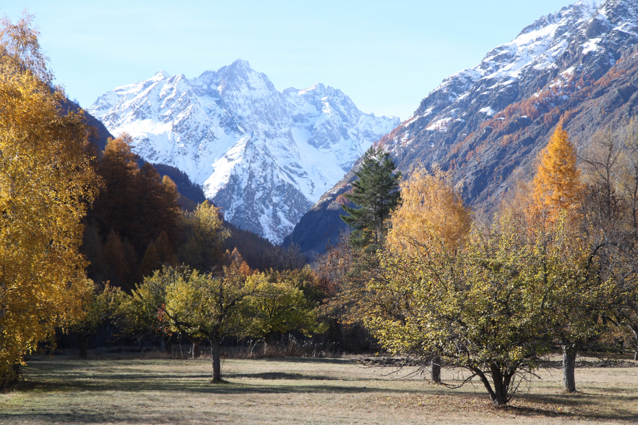 vallouise le bon voisin mountain first snow